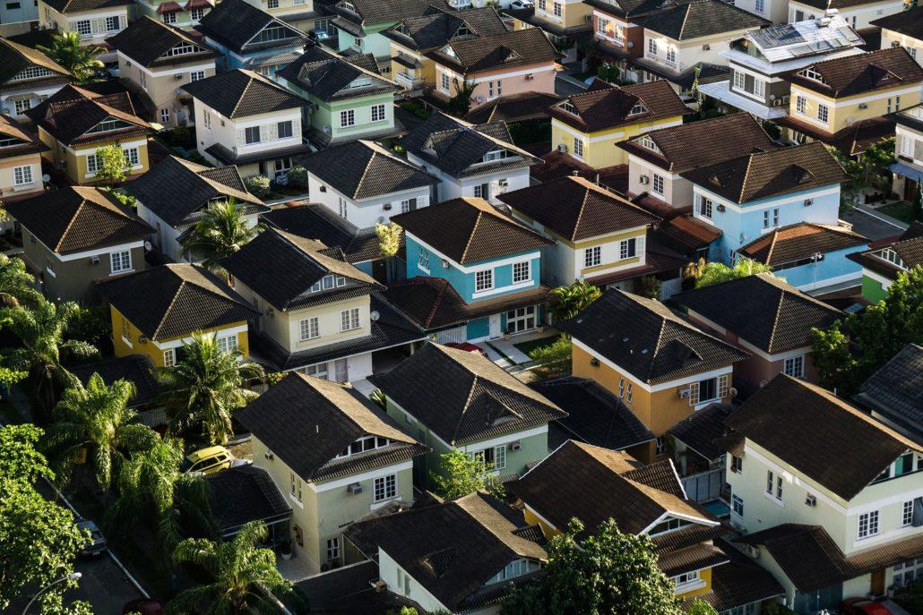 suburban-houses-colorful