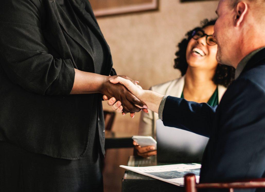 shaking-hands-at-meeting